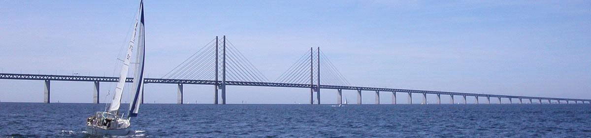 Segling vid Öresundsbron.